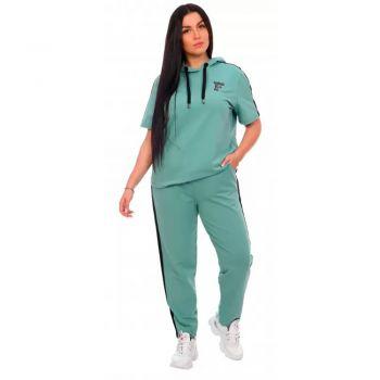 Женский спортивный костюм Фантастика зеленый
